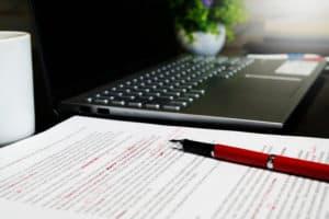 Relecture, révision et correction de documents d'entreprise